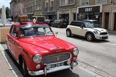 2019 06 15 0627 Peugeot 403 Parked in Rue Georges Clemenceau Falaise (IoW_Sparky) Tags: falaise france normandie normandy mini voiture auto car rue road street red rouge calvados eos 550 canon peugeot 403