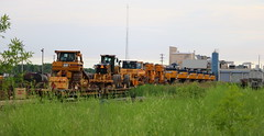Michels Equip, Neenah yard, Cecil, Neenah, 4 Jul 19-4 (kkaf) Tags: neenah neenahyard cecil flatwithload onflatcar michels heavyequipment