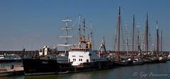 Bataviahaven met op de voorgrond zeekadetkorpsschip Lelystad