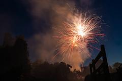 Feuerwerk Brunnenfest 5 (markusgeisse) Tags: feuerwerk oberursel brunnenfest taunus hochtaunus nacht night firework light lichter farben colours langzeitbelichtung