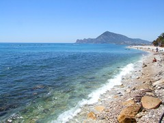 2019_lsnape_Mediterranean_CostaBlanca_Altea_beach_sea_DSCF2798 (Star Rocker) Tags: spain costablanca mediterranean altea sea beach coast bay pebbles rocks tide crystalwater