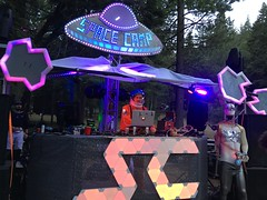 Dave (RobotSkirts) Tags: spacecamp camp space spacecamp2019 spacecampiv sciv sc dj dave davidmertl dmertl massaccelerator ufo flyingsaucer sign asteroid astronaut spacesuit spacehelmet