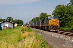 Q017 at Perry (jwjordak) Tags: intermodal trees trainq017 relaybox 757 es44ac freighthouse csxt csxtransportation train perry ohio unitedstatesofamerica