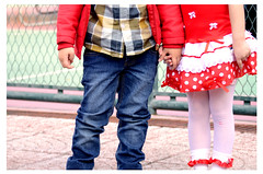 Little friends (Fabio Phonseca) Tags: little friend vestido festa julina mão mãos dadas criança menino menina amigo amiga dress party hand given boy child girl robe fête main donnée garçon enfant fille amie ami vestito da mano data ragazzo bambino ragazza amico fofinho coccolone infantil pureza purezza del pureté bébé câlin cuddly baby purity nikon d5100 55200