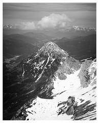 Alpine High (B. Blue) Tags: schnee wandern landschaft berg natur österreich wolken steiermark austria landscape nature sports styria clouds hiking mountain snow obertraun oberösterreich