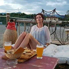 Helen's sea relax (Ladyhelen_) Tags: toscana italy helena relax spiaggia beach birra beer holidays cloud naturelover sealover sky bluesky seascape relaxing relaxingwoman holiday words poem verses poetry longlegs femme hedonist fashion
