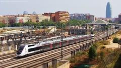 inOui a la Sagrera (tunel_argentera) Tags: tren train ferrocarril railway zug eisenbahn barcelona sagrera tgv inoui renfe sncf adif