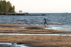 Walk around the Gulf of Finland. (sokolchikooff) Tags: red 2019 russia saintpetersburg spb piter weather water people sky outdoor color colorphoto colours landscape euro european reportage report day daily dailynews dailylife nature light gulf sea waters coast beautiful beach photoreport photo canon