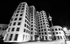 Düsseldorf0267Zollhafen (schulzharri) Tags: düsseldorf nrw deutschland germany europa europe architektur architecture glas modern haus building himmel gebäude stadt
