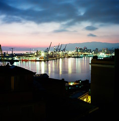 Porto di Genova (porcidei) Tags: zeiss ikon nettar zeissikonnettar mediumformat ektar100 genova porto nightlandscape panorama notturno