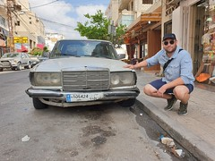 Car spotting in Tyr.
