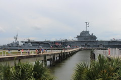 Walkway to USS Yorktown, Patriots Point (MJRGoblin) Tags: mountpleasant southcarolina 2019 charlestoncounty patriotspointnavalmaritimemuseum