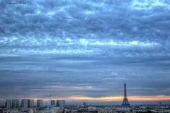 Petit matin (bertrand kulik) Tags: toureiffel leverdesoleil sunrise bluehour heurebleue france cloud nuage