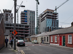 Bolands Quay from South Dock Street, Ringsend (turgidson) Tags: panasonic lumix dmc g9 panasoniclumixdmcg9 panasonicg9 micro four thirds microfourthirds m43 g lumixg mirrorless leica dg summilux leicadgsummilux 15mm f17 asph prime lens primelens 15mmf17 panasonicleica15mmf17asph hx015 silkypix developer studio pro 9 silkypixdeveloperstudiopro9 raw dublin ireland bolands mill bolandsmill quay redevelopment burke kennedy doyle burkekennedydoyle bkd architects bam contractors south dock street southdockstreet ringsend houses housing bungalow terrace p1011546