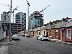 Bolands Quay from South Dock Street, Ringsend (turgidson) Tags: panasonic lumix dmc g9 panasoniclumixdmcg9 panasonicg9 micro four thirds microfourthirds m43 g lumixg mirrorless leica dg summilux leicadgsummilux 15mm f17 asph prime lens primelens 15mmf17 panasonicleica15mmf17asph hx015 silkypix developer studio pro 9 silkypixdeveloperstudiopro9 raw dublin ireland bolands mill bolandsmill quay redevelopment burke kennedy doyle burkekennedydoyle bkd architects bam contractors south dock street southdockstreet ringsend terrace houses housing bungalow p1011540