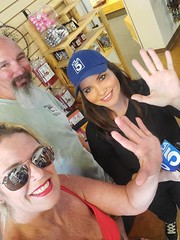 Hi-5 With Erin Myers (cjacobs53) Tags: jacobs jacobsusa sher sherry clarence cj erin myers ktla channel 5 channel5 hi5 blue eyes brown reporter news