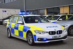LD68 LPP (S11 AUN) Tags: humberside police bmw 330d touring anpr traffic car rpu roads policing unit 999 emergency vehicle ld68lpp