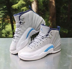 "Air Jordan 12 XII Retro GS UNC Size 5.5Y University Blue Grey 153265-007 (reddealsonline) Tags: nike airjordan12xiiretrogsunc size55y universityblue grey 153265007 2016 upc00826220228822 michaeljordan basketball gradeschool kidsshoes nubuckupper lateralandmedialoverlays silverworksplateduppereyelets jumpmantabalongthemidsole carbonfibershankplatetexturedleathermudguard paddedtonguewithembroideredlogo nikeairsoleunit aj12retro midfoot""jumpman""panel two3styleonthetongue"