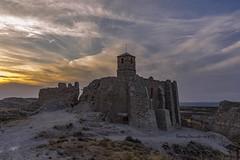 Rodén (tonygimenez) Tags: pueblos fortalezas castillo atardecer nubes cielo paisaje aragón zaragoza españa piedras