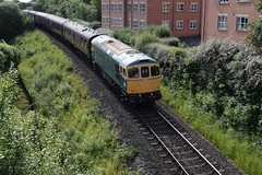 33035 approaching Bury from Heywood (colin9007) Tags: eastlancashirerailway elr bury brcw sulzer class 33 33035 d6553