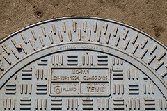 NON-METALLIC   NO SCRAP VALUE (Steve Crane) Tags: boland 2017 southafrica stellenbosch westerncape street photowalk kelby manhole manholecover