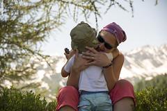 <3 in Piansecco (MarcoA.Photography) Tags: piansecco levantina abbraccio mamma figlio colori estate ticino valle bedretto capanna