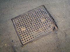 W VOIGHT LTD (Steve Crane) Tags: southafrica stellenbosch boland westerncape 2017 street photowalk kelby manhole manholecover