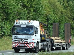 Mercedes-Benz Actros MP3 from HTS Germany. (capelleaandenijssel) Tags: nohhh413 helming tiefbau services gmbh nordhorn deutschland heavy haulage bred last convoi exceptionnel flatbed truck trailer lorry camion lkw