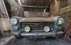 Peugeot quatre cent quatre_002 (stefaan.decuypere) Tags: urbex peugeot 404 abandoned