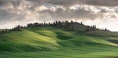 La Bella Toscana (Dani℮l) Tags: toscana tuscany toscane cretesenesi italy landscape field grass farm cypress hill danielbosma shadow