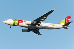 19-3793cr (George Hamlin) Tags: virginia chantilly washington dulles international airport iad tap air portugal airlines airbus a330200 airplane aircraft airliner landing sky photodecor george hamlin photography cstop