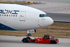 El Al Israel Airlines / Boeing 777-258(ER) / 4X-ECB (vic_206) Tags: elalisraelairlines boeing777258er 4xecb bcn lebl