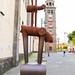 Metallskulptur vor der Kirche Iglesia de la Concepción in San Cristóbal de La Laguna auf Teneriffa, Spanien