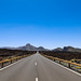 Blick auf die Straße TF-38 im Nationalpark Teide auf Teneriffa, Spanien
