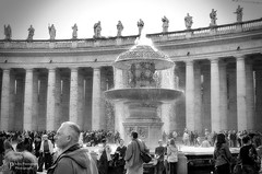 """Saint Peter's Square, Piazza San Pietro, Rome, Italy <a style=""""margin-left:10px; font-size:0.8em;"""" href=""""http://www.flickr.com/photos/86513992@N03/48228417436/"""" target=""""_blank"""">@flickr</a>"""