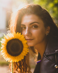 09/2018 (Alexandra A.K.) Tags: girl flower sunflower sunset beauty look sun autumn evening light
