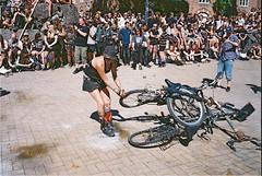 Bike Wars 2019 (subway rat) Tags: 35mm analog film analogphotography filmphotography mjuii mju2 olympusmjuii olympus μmjuii fujisuperia400 fujifilm fuji bikewars2019 ktown ktownhardcorefest ktown2019 blågårdsplads nørrebro københavn danmark copenhagen denmark punk hardcore bike bikes punks punx ungdomshuset filmforever filmisnotdead filmcamera shootfilm ishootfilm staybrokeshootfilm