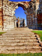 Whitby Abbey, Whitby, North Yorkshire, UK (photphobia) Tags: whitby abbey whitbyabbey ruins englishheritage town coast yorkshire england uk europe oldtown oldwivestale outside outdoor buildings