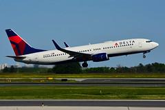 N395DN (Delta Air Lines) (Steelhead 2010) Tags: deltaairlines boeing b737 b737800 yyz nreg n395dn