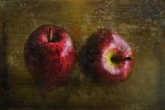 Apples (ulli_p) Tags: apples asia art aworkofart flickraward light likeapainting food fruit texture textured texturedphoto