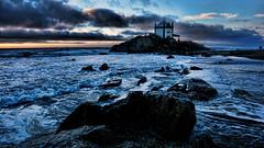 Corazon de mar (Miradortigre) Tags: portugal beach playa costa coast shore igreja church iglesia mar sea sunset atardecer pordosol landscape paisaje paisagem