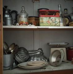 La credenza (Aellevì) Tags: ceraunavolta oggetti cucina