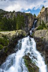 Barranco de los Llastres (sostingut) Tags: río cascada barranco agua arroyo árbol montaña roca hierba altura valle pirineos nikon tamron haida senderismo d750