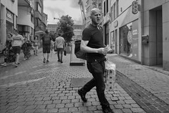 jhh_2019-07-03 10.58.50 Luik (jh.hordijk) Tags: ruedvinȃvedlle liège luik wallonie wallonië belgium belgië straatfotografie streetphotography