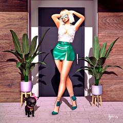 Voy a pasear a Rocky y de paso a coger regalos. (Yhesy) Tags: secondlife selfie shopping freebie skirt baistice truth maitreya vanity slb16 blon blond woman glasses