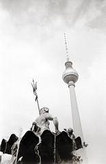 Berlin, Neptunbrunnen 2019 (Alfonso Lazo) Tags: olympus xa agfa apx 100 expired xtol 11