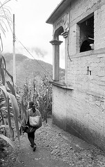 Tanate (Marcos Núñez Núñez) Tags: streetphotography streetphotographer blackandwhite blancoynegro bw film filmphotography analogue analogphotography nikon nikonn55 mx méxico oaxaca oax yolox chinantla chinantecos