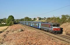 SNCF BB15030, Neauphlette, 4-7-2019 8:04 (Derquinho) Tags: sncf bb15030 bréval gilles bb 15000 15030 v2n nez cassé casse cassee neauphlette ter 851024 serquigny paris parijs st lazare multiservice corail plus