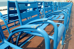 Chaise bleu dix (zawtowers) Tags: nice france french riviera côte dazur city warm hot sunny sunshine blue sky centre saturday 29th june 2019 chaise bleu chairs classic iconic landmark promenade des anglais