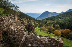 Vistas de lujo (SantiMB.Photos) Tags: 2blog 2tumblr 2ig lanoudeberguedà catllaràs berguedà otoño autumn sobrepuny ruinas ruins montaña mountain geo:lat=4219320244 geo:lon=192604602 geotagged castelldelareny cataluna españa